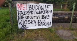 Nie chcemy być wioską rakową! W akcie protestu rozwieszają hasła na płotach
