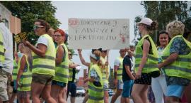 Mieszkańcy protestują i blokują drogę krajową [VIDEO][GALERIA]