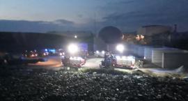 Nocny pożar na wysypisku odpadów w Gaci