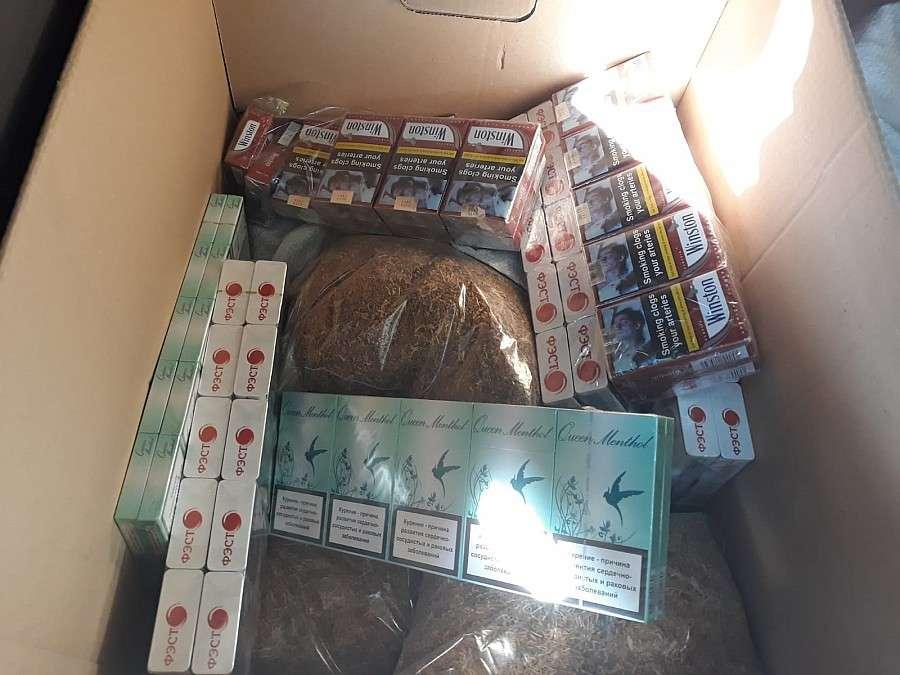 Komunikaty policji, Przewoził nielegalny alkohol tytoń Został zatrzymany Miłkowie - zdjęcie, fotografia