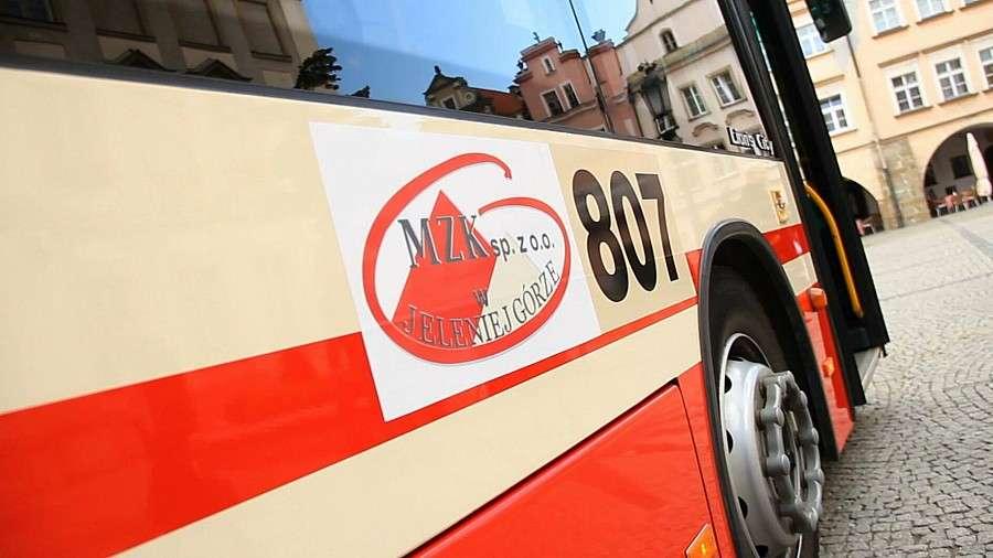 Komunikacja, Zmiany rozkładach jazdy autobusów linii - zdjęcie, fotografia