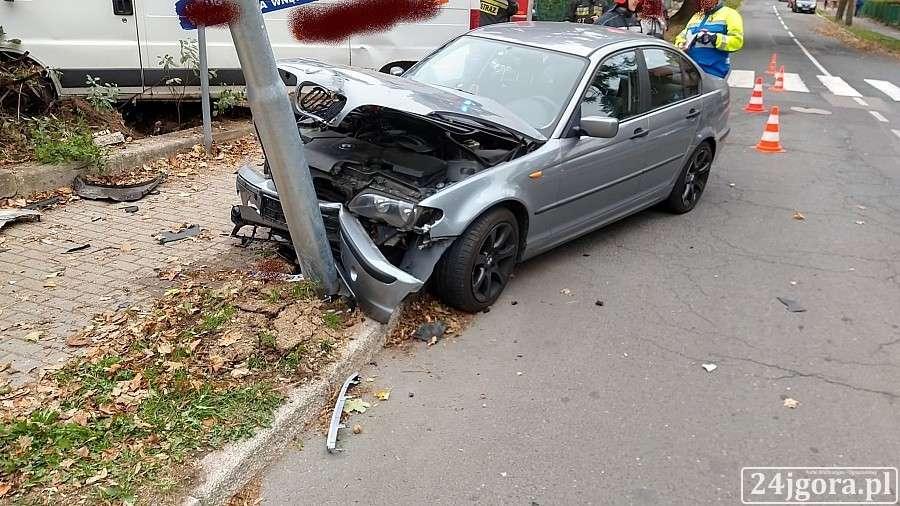 Wypadki drogowe, Kolejne poważne zdarzenie dzisiejszym Jeleniej Górze - zdjęcie, fotografia