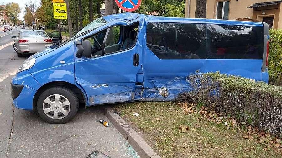 Wypadki drogowe, Zderzenie Wojska Polskiego osoby ranne - zdjęcie, fotografia