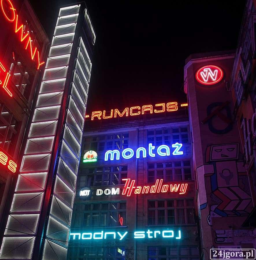Turystyka, Dawnych neonów blask - zdjęcie, fotografia