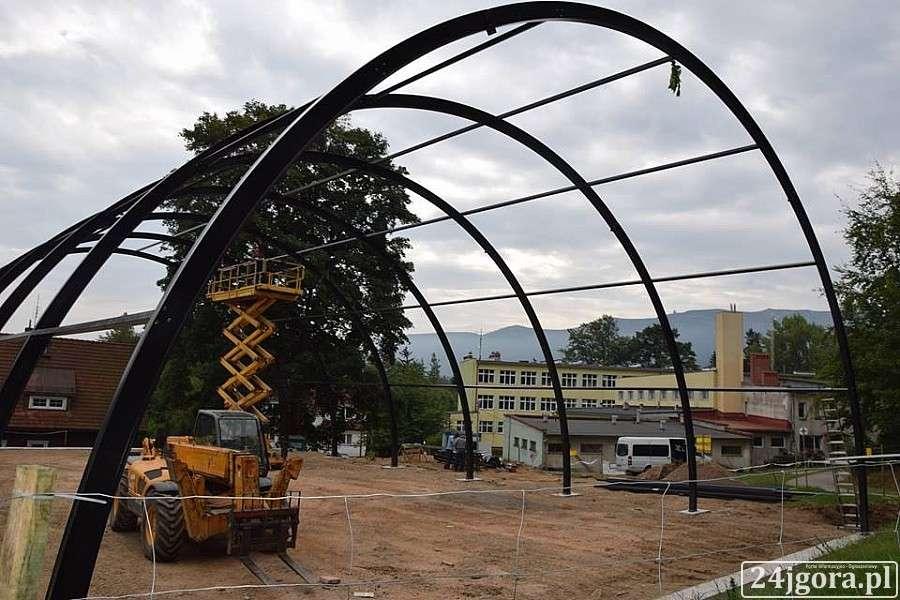 Inwestycje, Szklarskiej Porębie powstaje sportowa - zdjęcie, fotografia