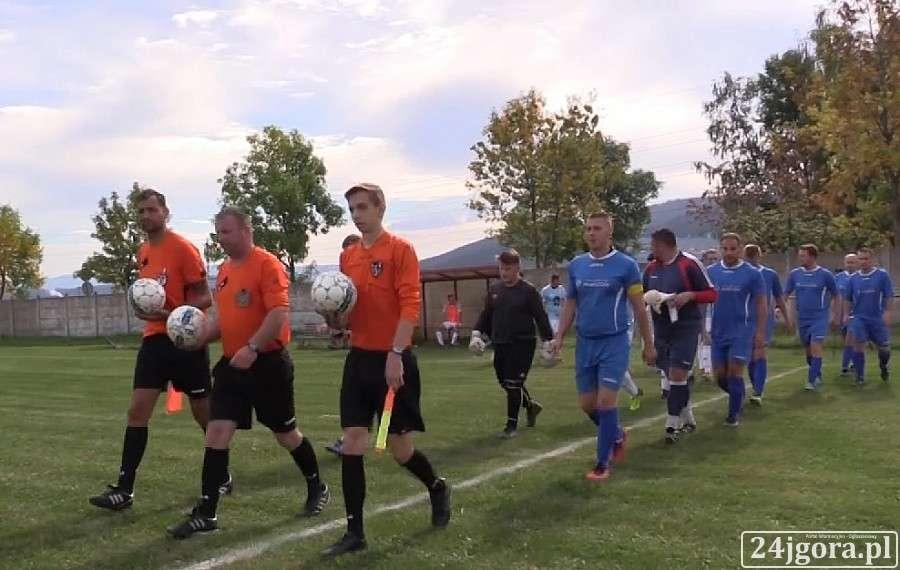 Piłka nożna, Siedem bramek Piechowicach Lechia znowu gromi (VIDEO) - zdjęcie, fotografia