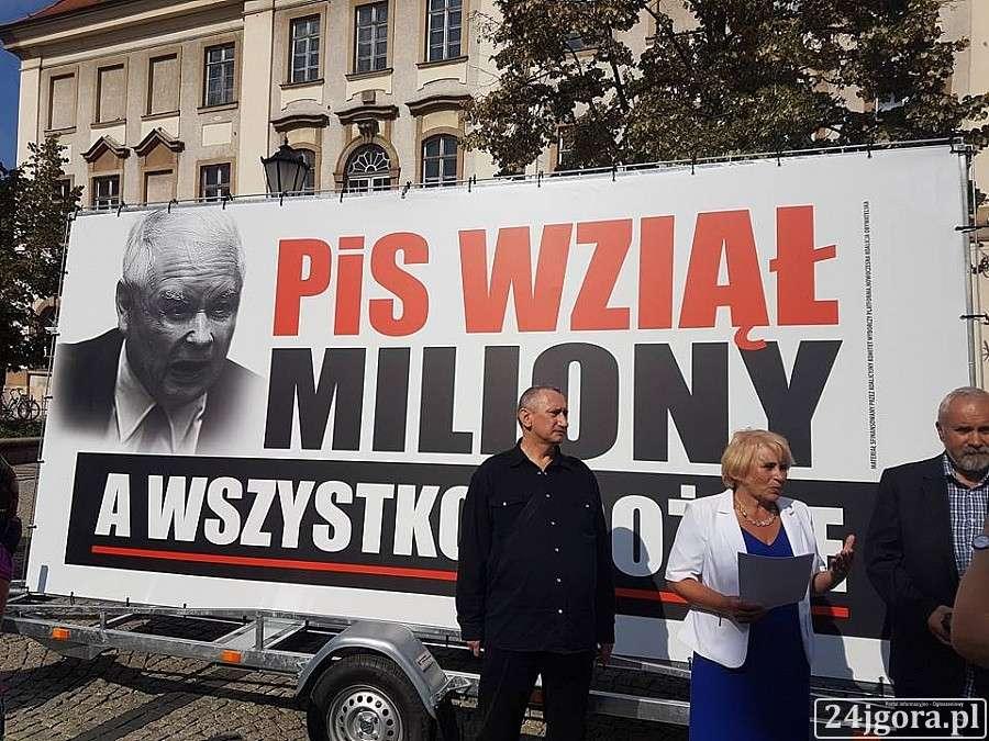 Samorząd, wziął miliony konferencja Zofii Czernow - zdjęcie, fotografia