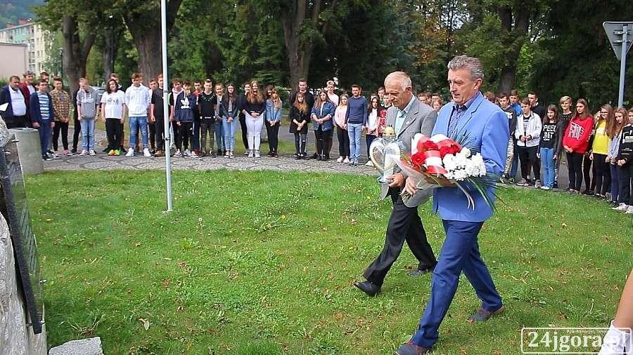 Samorząd, Piechowicach uczczono rocznicę wybuchu wojny światowej - zdjęcie, fotografia