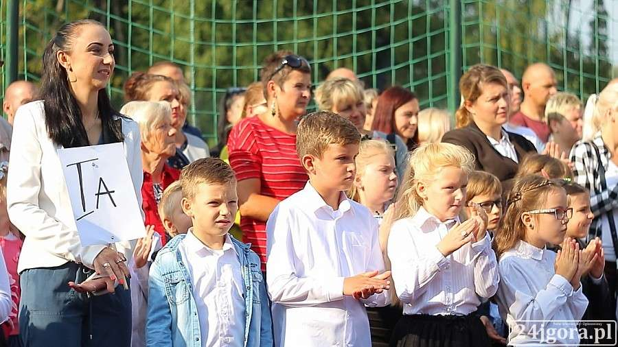 Wydarzenia, Uczniowie rozpoczęli szkolny! - zdjęcie, fotografia