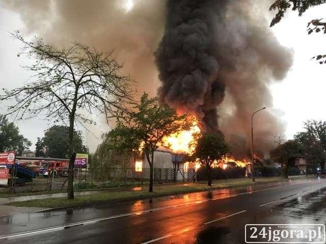 Pożary, Ogromny pożar Cieplicach - zdjęcie, fotografia