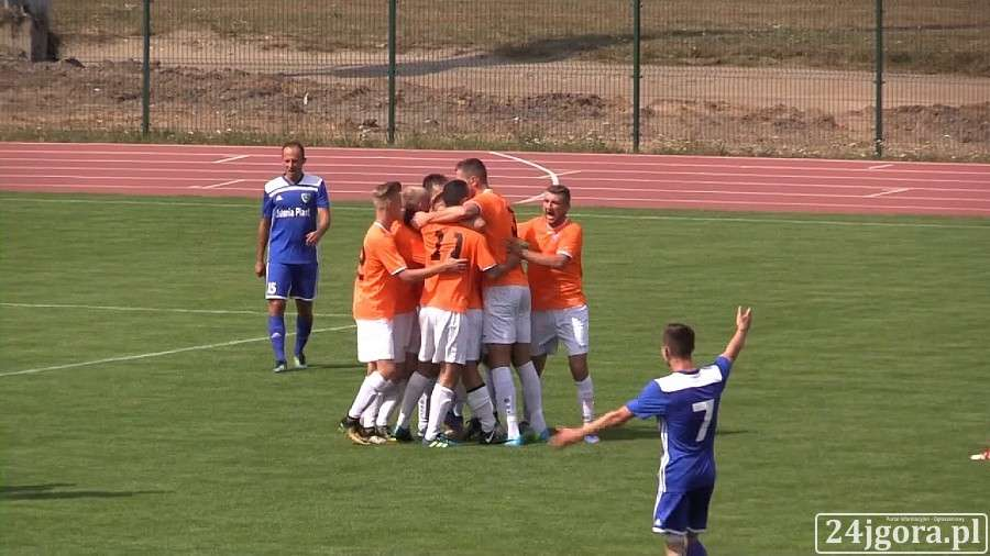 Piłka nożna, Porażka Karkonoszy przed własną publicznością (VIDEO) - zdjęcie, fotografia
