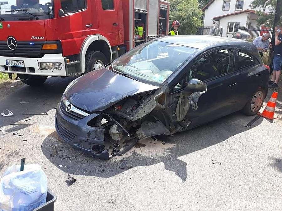 Wypadki drogowe, Zderzenie pojazdów drodze Siedlęcin Wleń - zdjęcie, fotografia