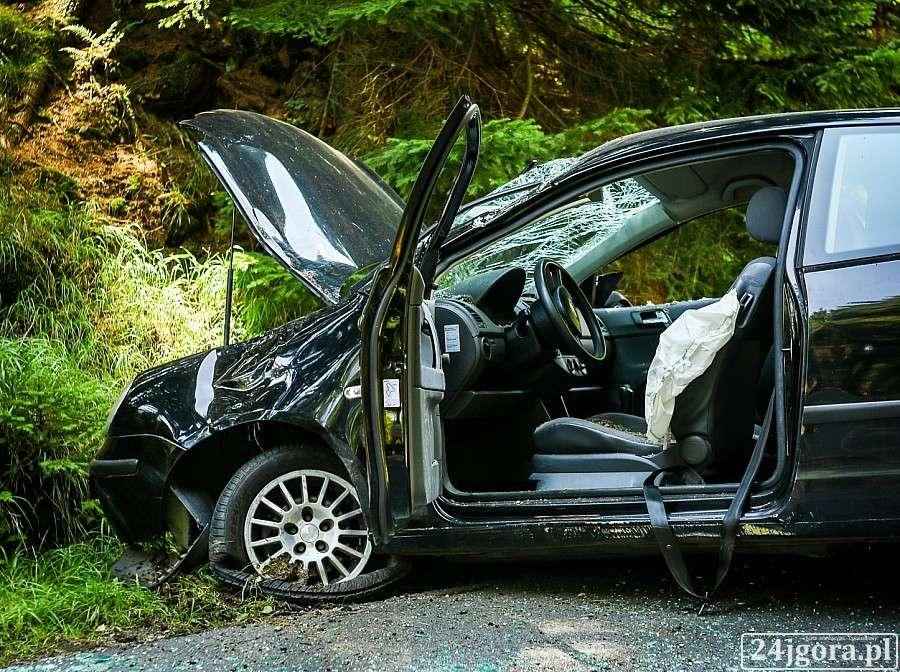 Wypadki drogowe, Dachowanie Karpaczem - zdjęcie, fotografia