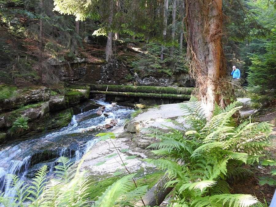 Z ostatniej chwili, Dziura wodospadzie - zdjęcie, fotografia