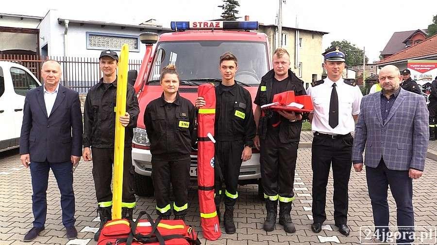 Wydarzenia, sprzęt jeleniogóskich strażaków - zdjęcie, fotografia
