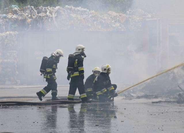 Z ostatniej chwili, Gasili pożar gnojowicą - zdjęcie, fotografia
