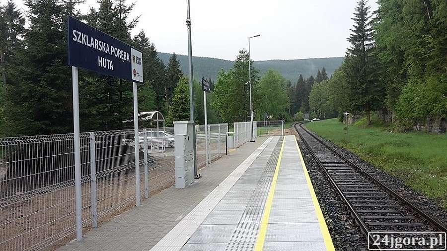 Wydarzenia, Kolej Izerska Remont peronu przystanku Szklarska Poręba - zdjęcie, fotografia
