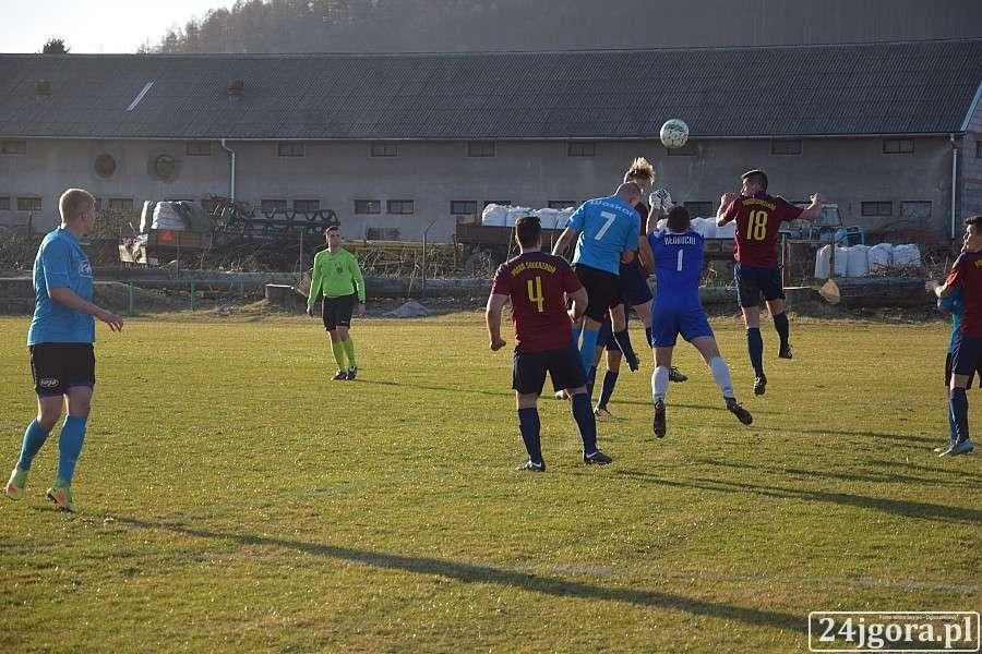 Piłka nożna, Wyniki dolnośląskiej okręgówki klasy - zdjęcie, fotografia