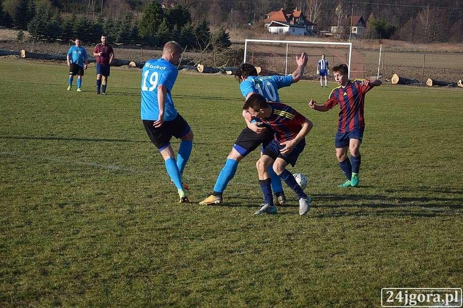 Piłka nożna, Woskar Szklarska Poręba remisuje Pogonią Świerzawa - zdjęcie, fotografia
