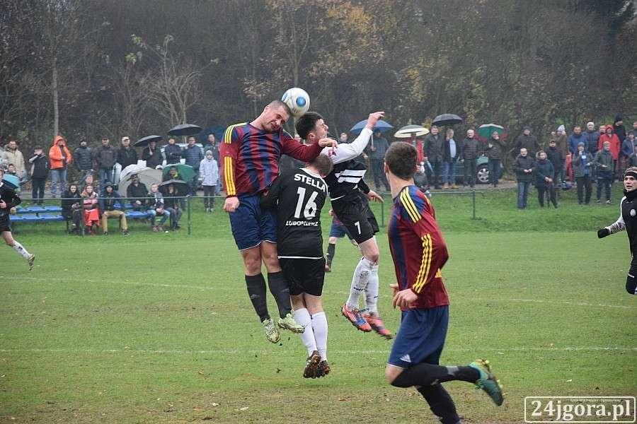 Piłka nożna, Wyniki spotkań dolnośląskiej klasy okręgowej klasy - zdjęcie, fotografia