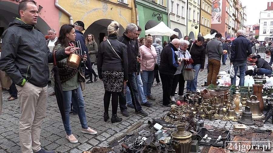 Plenerowe, pierwszy dzień Jarmarku Staroci Osobliwości (VIDEO) - zdjęcie, fotografia