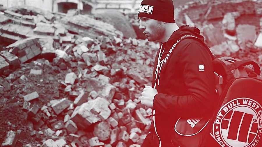 Boks, Jelenia Góra zaprasza zakupów także przez internet - zdjęcie, fotografia