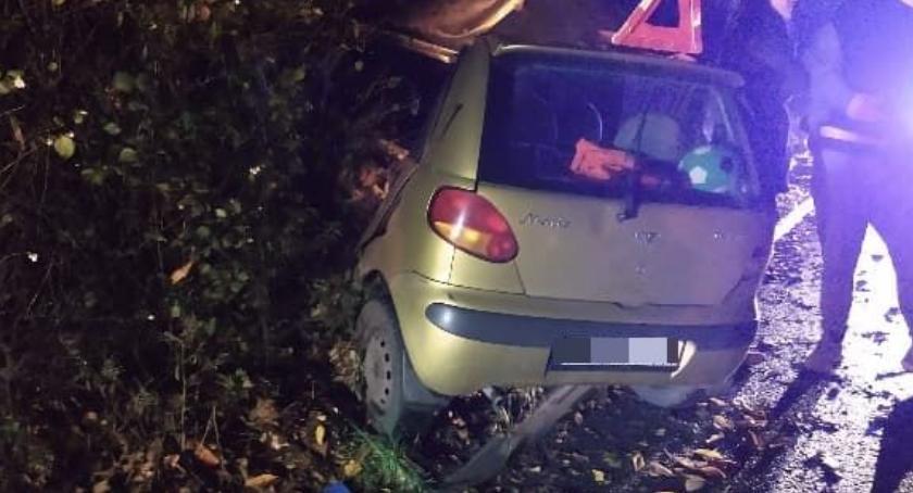 Wypadki drogowe, Matizem drzewo - zdjęcie, fotografia