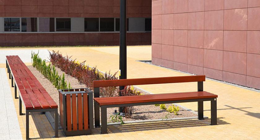 Dom i ogród, Małą architekturę miejską docenimy szczególnie latem czyli funkcjonalnie urozmaicić przestrzeń - zdjęcie, fotografia