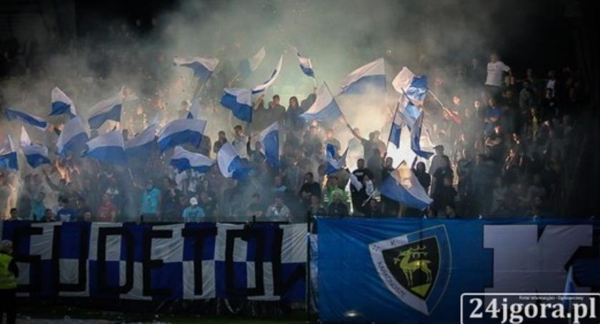 Piłka nożna, Stać wygrać wszystkie mecze końca - zdjęcie, fotografia