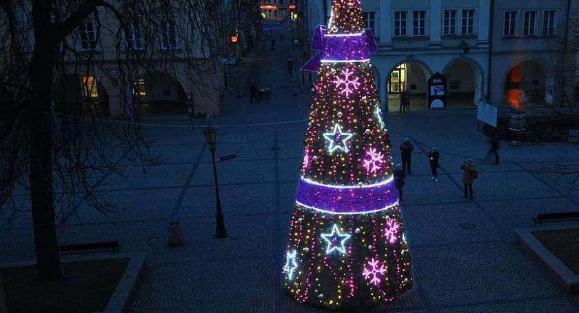 Inwestycje, Wkrótce Jeleniej Górze pojawią świąteczne dekoracje - zdjęcie, fotografia