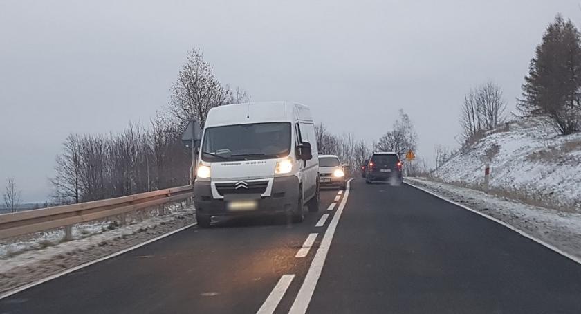 Wypadki drogowe, latek potrącony przez - zdjęcie, fotografia