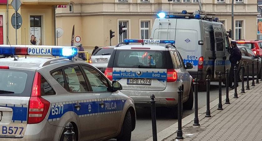 Kronika Kryminalna, Interwencja policji Bankowej (aktualizacja) - zdjęcie, fotografia