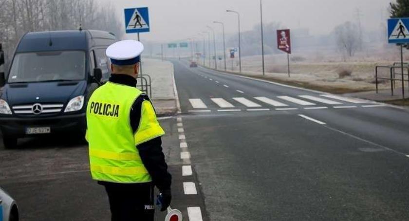 Kronika Kryminalna, Mandaty pouczenia kierowców - zdjęcie, fotografia