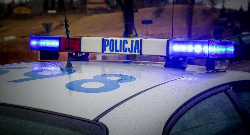 Kronika Kryminalna, Włamał pojazdu ukradł paczek kurierskich - zdjęcie, fotografia
