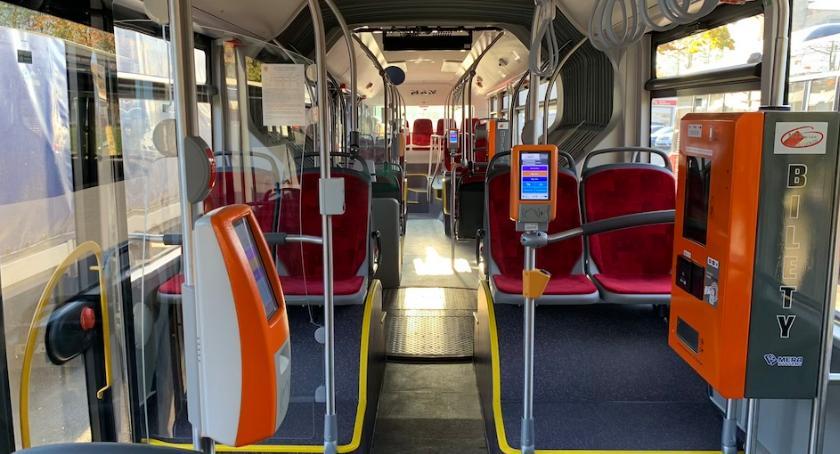 Komunikacja, autobusy spisują bardzo dobrze Pasażerowie zadowoleni - zdjęcie, fotografia