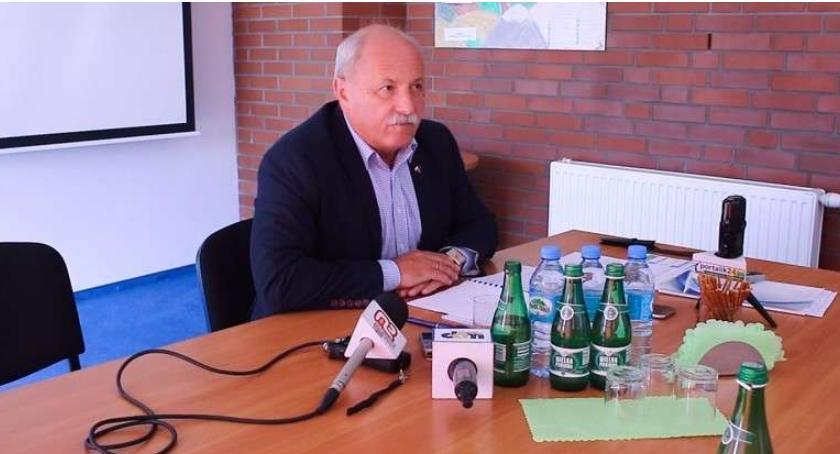Inwestycje, Wodnik będzie musiał kupić samochody elektryczne - zdjęcie, fotografia