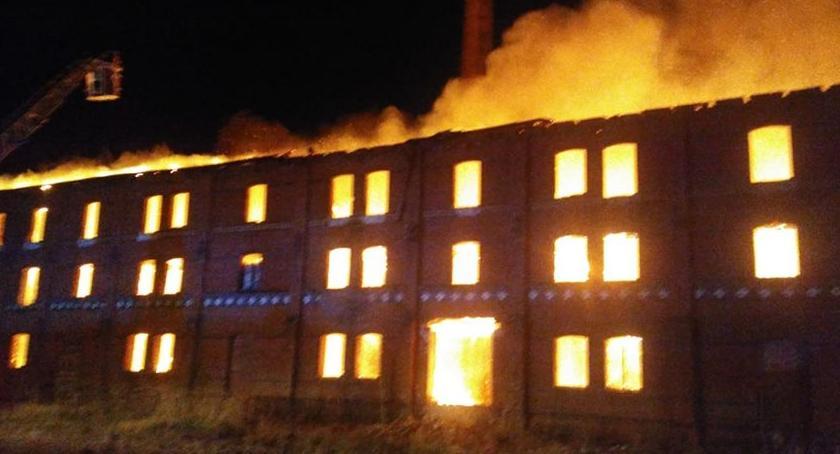 Pożary, Spłonęła klinkiernia Nowogrodźcu - zdjęcie, fotografia