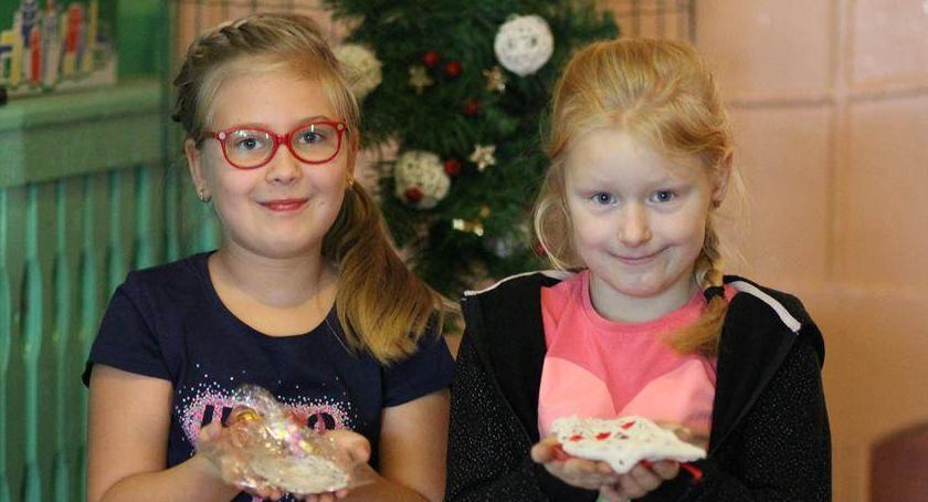 Dzieci, Świąteczny kiermasz Piechowicach - zdjęcie, fotografia