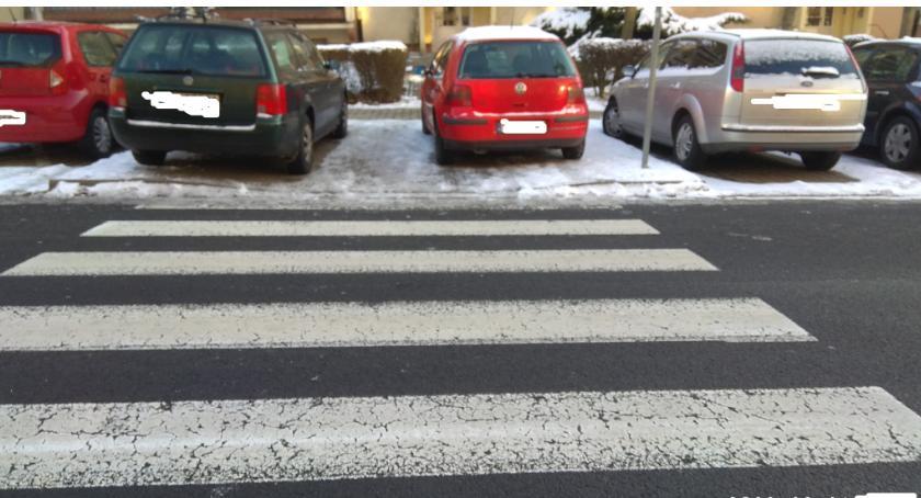 Absurdy, Kolejni mistrzowie parkowania - zdjęcie, fotografia