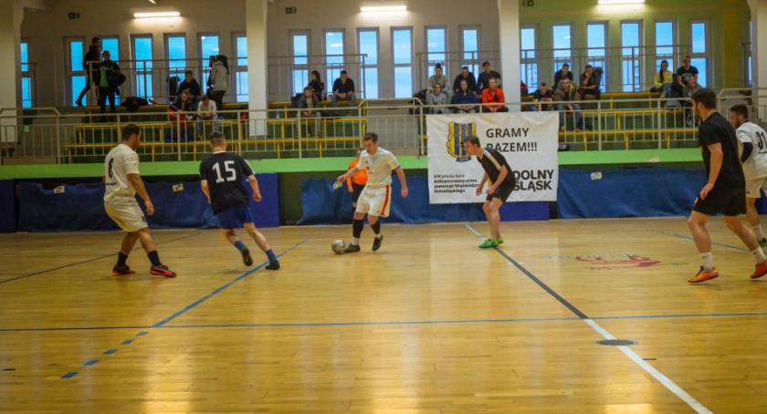 Piłka nożna, Ostatnia kolejka Termy - zdjęcie, fotografia