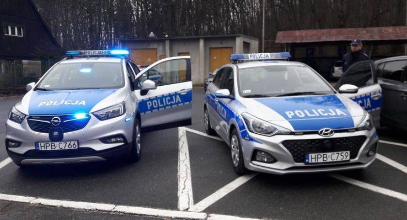 Inwestycje, Jelenia Góra radiowozy policji - zdjęcie, fotografia