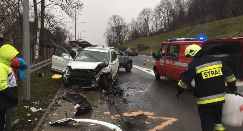 Wypadki drogowe, Czołowe zderzenie Kaczorowie Pięć osób szpitalu - zdjęcie, fotografia