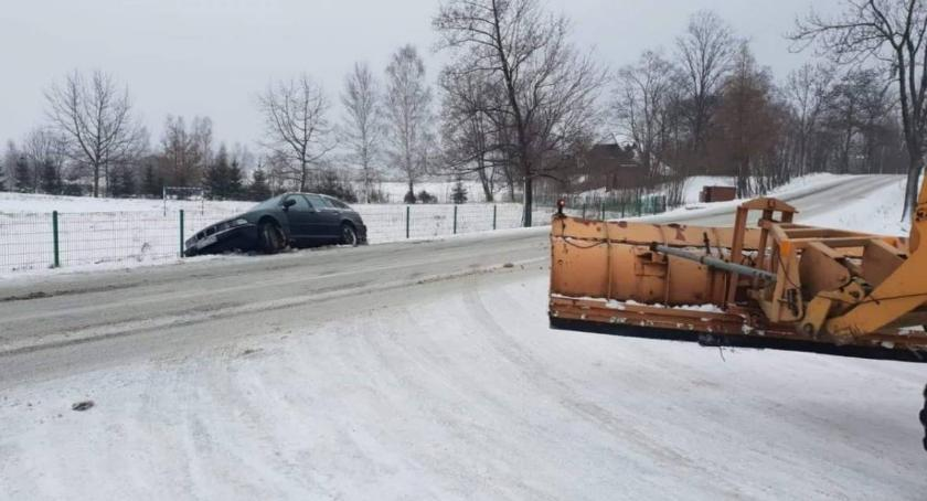 Komunikacja, Powiat wypowiedział umowę odśnieżanie dróg - zdjęcie, fotografia