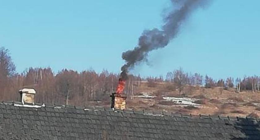 Pożar sadzy w Rybnicy. Szybka interwencja straży zapobiegła tragedii.