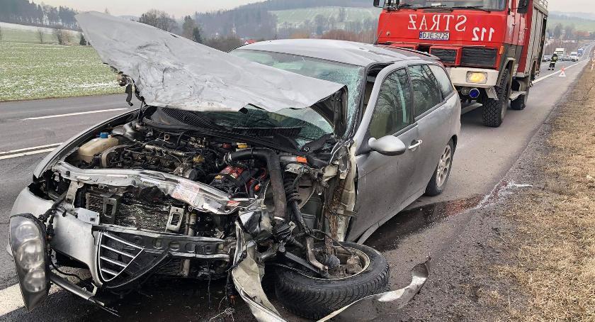 Wypadki drogowe, Czołowe zderzenie Barcinku Włącz Zello - zdjęcie, fotografia