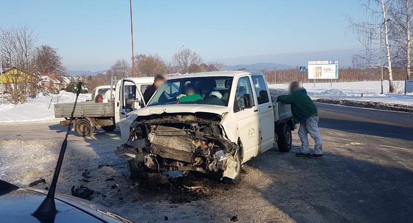 Wypadki drogowe, Utrudnienia ruchu zderzenie skrzyżowaniu Podgórzynie - zdjęcie, fotografia