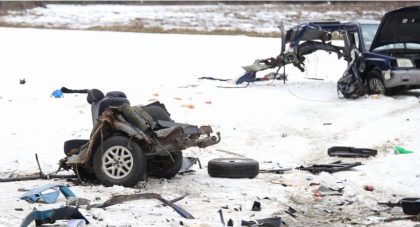 Koszmarny wypadek pod Wykrotami Subaru rozleciało się na części