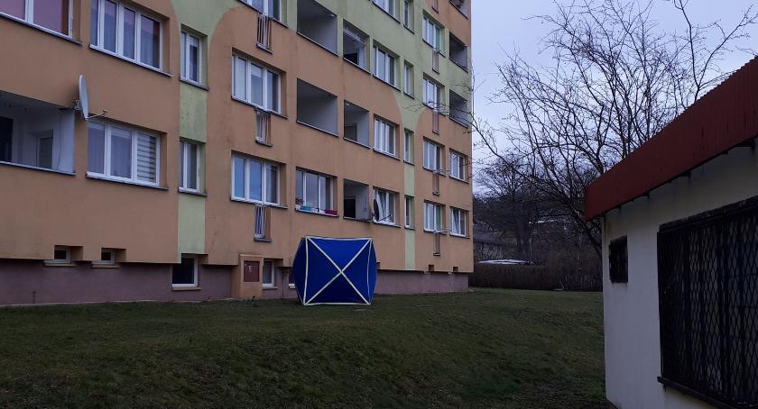 Z ostatniej chwili, Dramat Bolesławcu Ojciec zabił matkę dziecko! - zdjęcie, fotografia