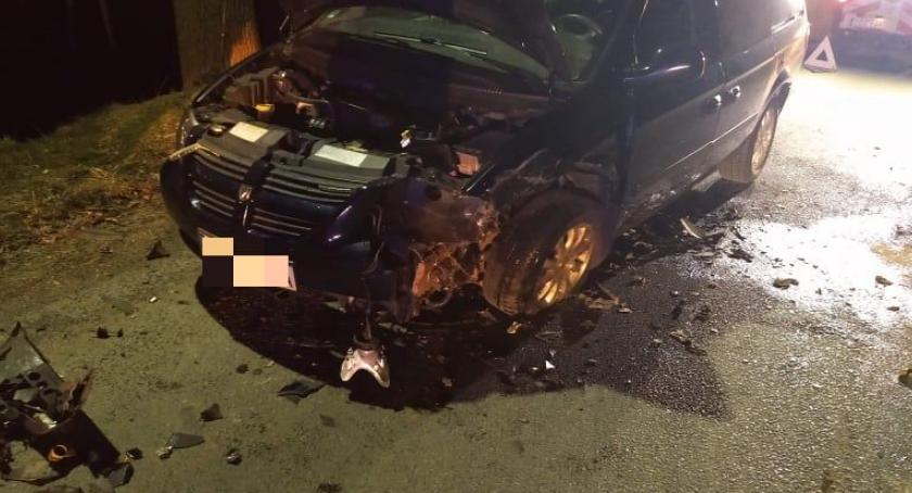 Wypadki drogowe, Czołowe zderzenie Barcinku - zdjęcie, fotografia