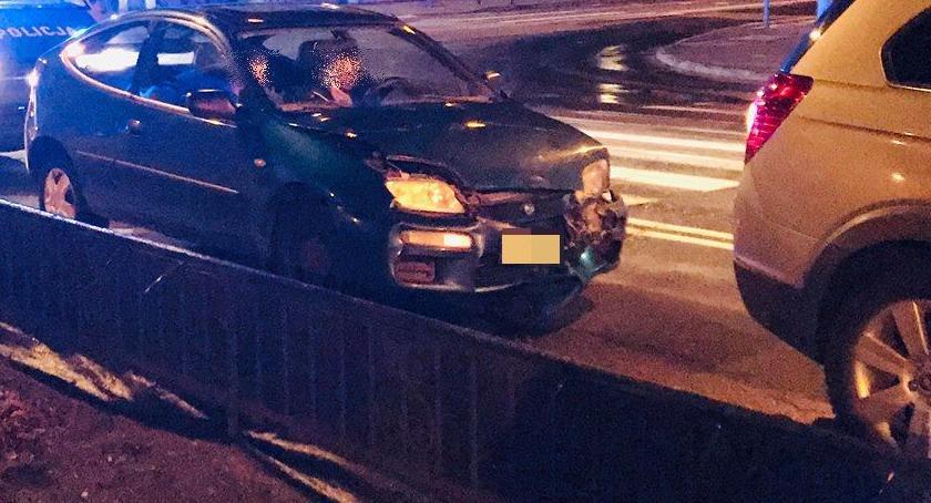 Wypadki drogowe, Wjechał prąd doprowadził zderzenia - zdjęcie, fotografia